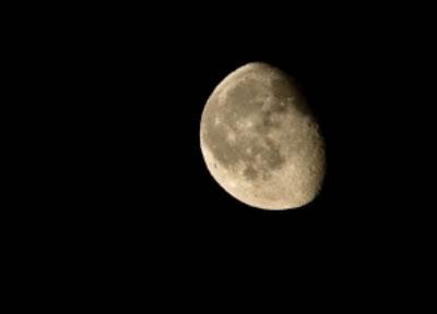 你的鼠标指针会自然地放到月亮上